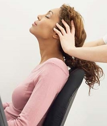 Masajul capilar ajuta la o mai buna circulatie a sangelui