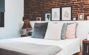 amenajare dormitor mic - element de atractie