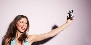 Iata ce spun psihologii despre nevoia de selfie